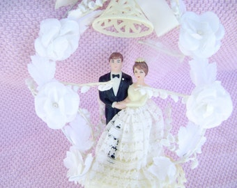 Vintage Wedding Cake Topper with Bride and Groom