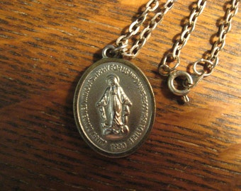 Miraculous Medal Necklace - Vintage 1960's Virgin Mother Mary Madonna Pendant