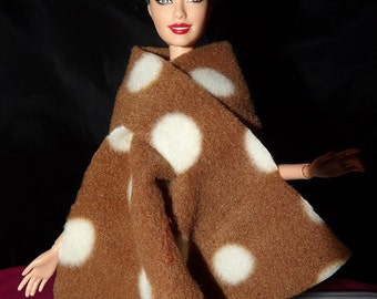 Fashion Doll Coordinates - Fleece wrap cape in brown with white dots - es352
