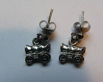 Dangle Silver Wagon Stud Earrings   637