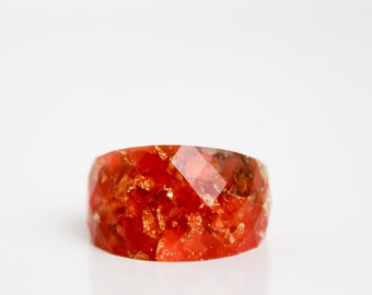 fire engine red cocktail ring round faceted size 5.5 eco resin ring featuring gold leaf flakes