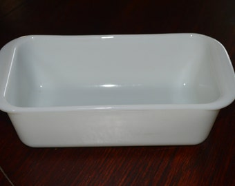 Milk Glass Pyrex Loaf Pan