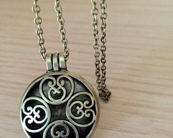 Aromatherapy antique bronze necklace