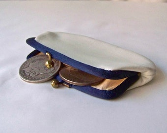 Vintage White Leather Coin Purse 1980s