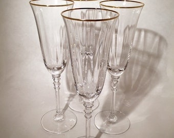 Gold Rimmed Champagne Flutes - Set of 4