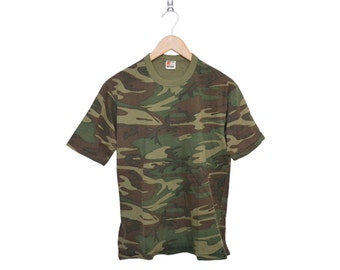 Vintage Army Camo Green Super Soft Poly Cotton Blend T-Shirt, Made in USA