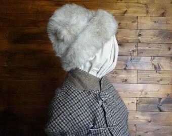 Vintage English white faux fur like hat woman ladies unisex size m circa 1970-80's / English Shop