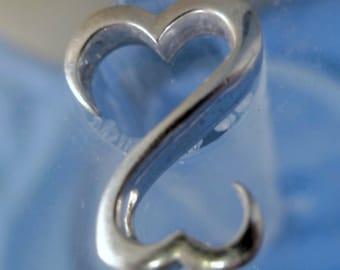 Jane Seymour - JWBR -  Sterling Silver Open Heart Pendant w/ 18 Inch Chain  (66.220)