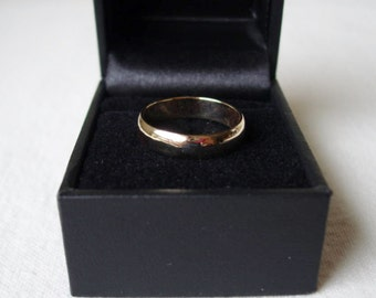Vintage 14k Solid Gold Band Ring 3mm 4 gr size 7.5 Wedding