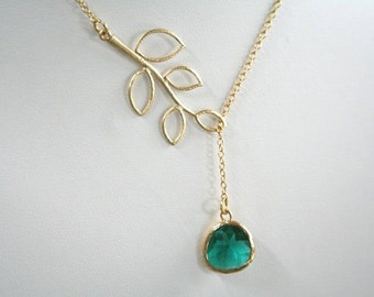 Gold Leaf and Emerald Necklace. Gold Lariat. 5 Leaves Lariat.Leaf Necklace.Leaves Necklace.Bridesmaids.Bridal Jewelry.Bridesmaid Gift.Dainty