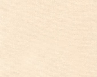 Eggshell, Kona Cotton, Robert Kaufman Fabrics, 1/2 Yard