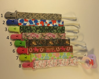 Nuk clips/pacifier clips/binki clip/soothie/infant pacifier clips camo cowgirls flowers