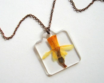 Spring's First Daffodil - Real Flower Garden Necklace - botanic jewelry, pressed flower, Spring necklace, daffodil, yellow, natural, ooak