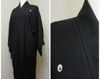 Japanese Vintage Silk Kimono. Black Lined Robe With Kamon / Mon design (Ref: 039)