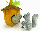 Squirrels Sewing Kit, Felt Animal Craft Kit, Felt Squirrel Ornament, Beginner Sewing Kit, DIY Sewing, Hand Stitching, Scampering Squirrels