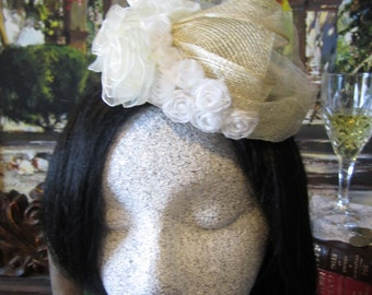 Cream Sinamay Fascinator, White Roses, Sinamay bow, Wedding Fascinator, Fascinator, Flower Fascinator, Accessories