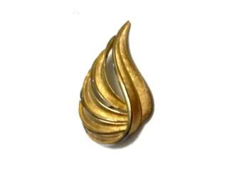 Trifari  Swirl/Feather Brooch Vintage Brushed Gold Tone Smooth Finish on Edges Simple Yet Elegant