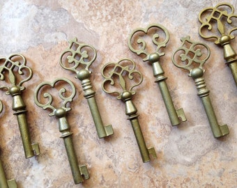 30 Pcs - The Genevieve Collection - LARGE Size - Skeleton Key Assortment in Antique Bronze - Set of 30 Keys - 3 STYLES
