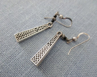 vintage sterling silver earrings - Celtic knot, pierced, Irish