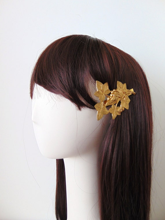 Gold Ivy Leaf Barette, Gold Berries Leaf Clip, Bridal Hair Clip, Fall Hair Clip, Gold Leaves, Winter Wedding, Brass Gold Hair Barrette IVY