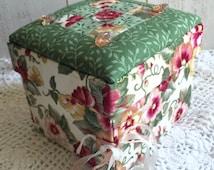 Quilted Fabric Jewelry Box, Handmade Fabric Box, Roses Trinket Box, Floral Keppsake Box, Wedding Keepsake Box