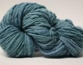 Thick and Thin Wool Yarn Slub TTS(tm) Handdyed  Fine Merino 66tts13005 Emeraid
