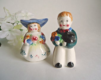 Salt and Pepper Shakers Man and Woman European Couple Shaker