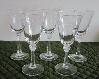 5 Vintage Fostoria Crystal Wine Cordial Sherry Glasses Laurel Pattern Stem #6017 Cut #776 Circa 1950