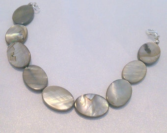 Vintage Abalone Shell Mother of Pearl Disc Bracelet