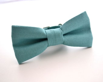 Children's Bowtie in Turquoise, Boys Teal Bow Tie, Ring Bearer, Blue Bow Tie