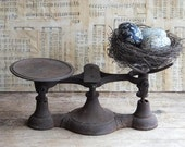 Antique Primitive Rusty Scale, Balance Scale, Primitive Antique Decor