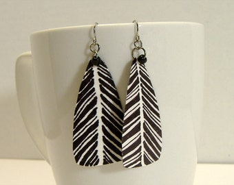 Black and White Feather Design Paper Earrings