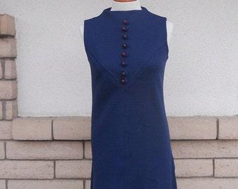 ON SALE 60s Mod Mini Shift Dress w/Decorative Buttons Size Small