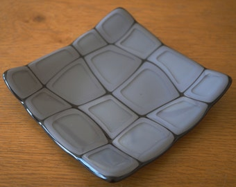 "Fused Glass  Retro Dish/Plate - Dark Grey - 6"" x 6"""
