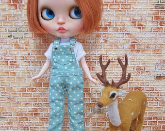 Blythe outfit : white polka dot overalls on mint