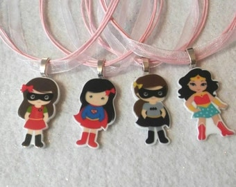 10 Girls Hero Necklace Party Favors