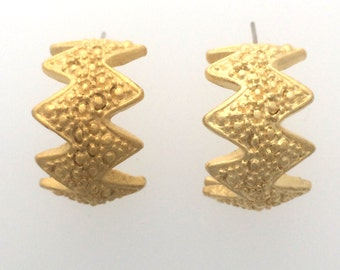 Gold plated post earring pair :  item #2537