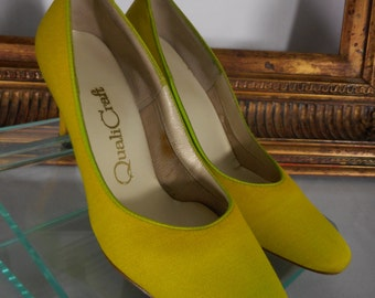 Vintage 1960's QualiCraft Yellow Pumps - Size 5 B