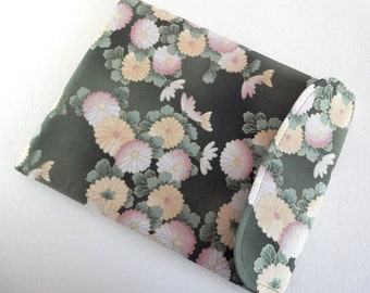 Samsung Tab Case Case  - iPad Air Sleeve - Kobo Glo Cover - Padded Tablet case Kimono cotton fabric Chrysanthemum Green