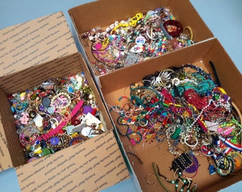 JEWELRY LOT 15lbs Pieces, Parts, Broken, Mix & Match Earrings Braclets Necklaces Odds and Ends Crafting Projects