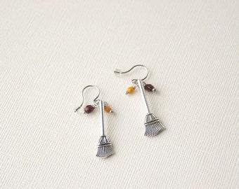 Harry Potter Earrings, Quidditch Broom Earrings, Gryffindor Earrings, Harry Potter Jewelry, Gryffindor Jewelry, Quidditch Jewelry, Trending