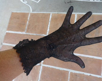 vintage early women's black gloves fishnet lace Victorian 1900's crochet steampunk