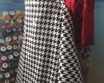 Breastfeeding nursing cover up apron like  HOOTER hiders houndstooth