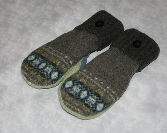Upcycled wool mittens fleece lined from recycled wool sweaters Fairisle light blue and gray