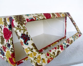 FABULOUS Quilted Tapestry Wardrobe Storage Box Hats Closet Sweater Display Case Boutique