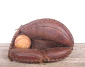 Leather Catcher's Mitt / Baseball Glove / Vintage Leather Baseball Glove / Baseball Glove leather / Old Baseball Glove / Baseball Decor