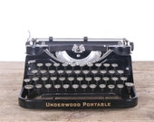 Underwood Typewriter / Antique Typewriter / Manual Typewriter / Underwood Portable Typewriter / Black Underwood /Underwood Case Office Decor