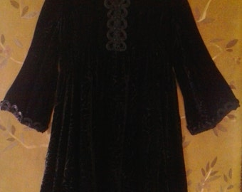 80s black velvet boho mini dress with embroidered front and bat wing sleeves