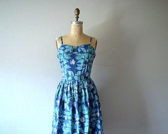 Vintage 1950s sundress . 50s print dress
