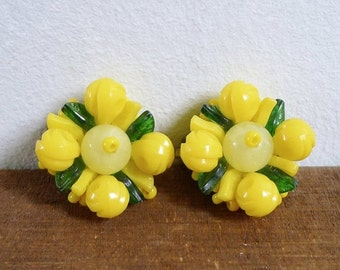20% CNY SALE - Vintage 60's Fruit Salad Bright Yellow Floral Clip On Earrings